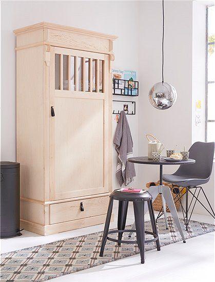 Entscheiden Sie für was der Schrank im Landhaus Stil eingesetzt wird: als Kleiderschrank, Garderobenschrank oder Flurschrank!