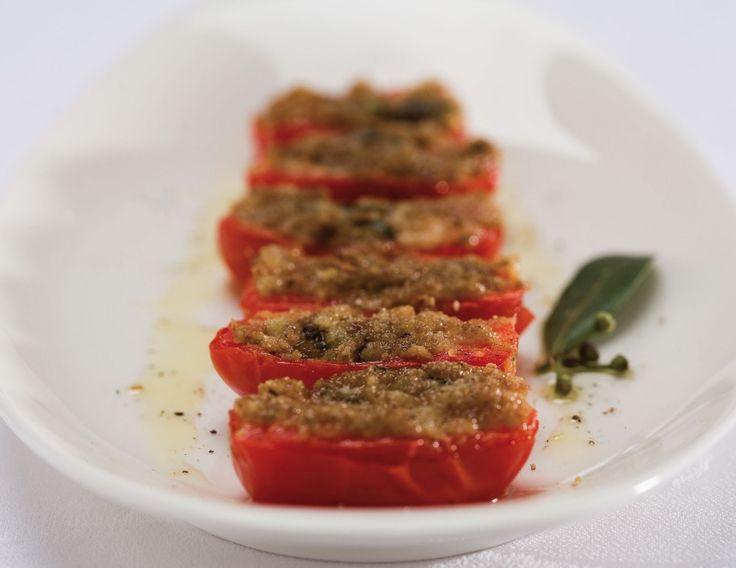 Pomodori grigliati con pâté di olive ricetta
