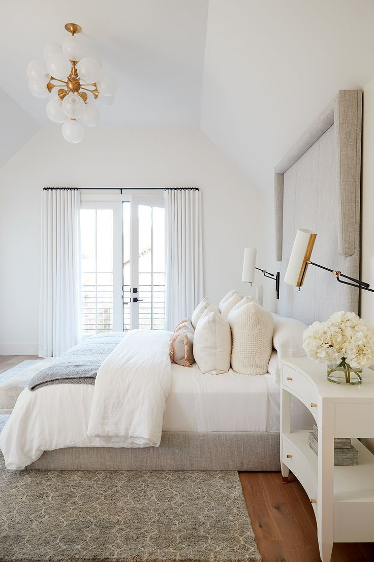 Une Nouvelle Construction Moderne Rompt Avec La Tradition Rue Bedroom Interior Home Decor Bedroom Home Bedroom
