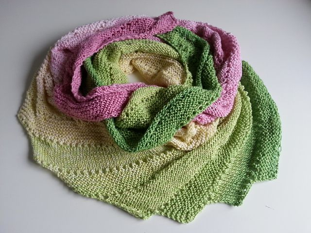 Ravelry: The Peony pattern by Dimitra Spyro Free