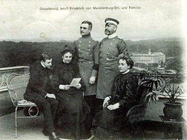 Großherzog Friedrich Adolf von Mecklenburg-Strelitz mit seiner Familie | by Miss Mertens