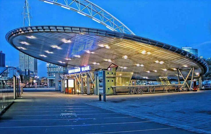 Rotterdam / Station Blaak De fluitketel