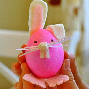 Make adorable Bunny Easter eggs as fun Easter crafts for kids!