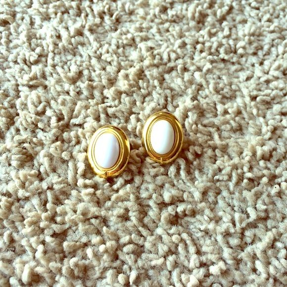 Vintage signed monet earrings Vintage Monet earrings, both signed on the back. They are about an inch long (slightly smaller). The backs I have on them are different from one another, but that's obviously not noticeable when wearing. All jewelry is buy two get one free! Monet Jewelry Earrings