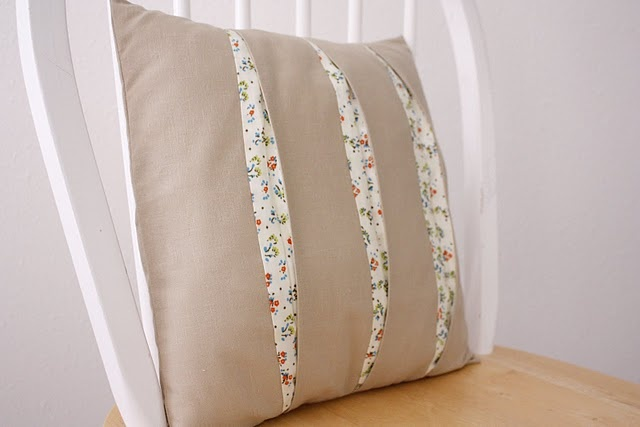 peekaboo pleatsCrafts Ideas, Peekaboo Pleated, Pleated Pillows, Quality Sewing, Guest Post, Pleated Cushions, Kate Sewing, Delias Create, Sewing Tutorials