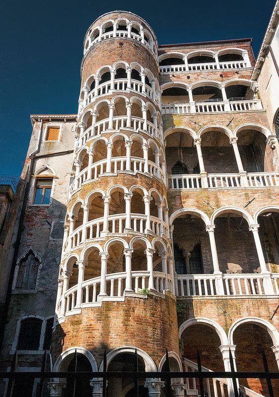 Palazzo Contarini del Bovolo, Venice, Italy