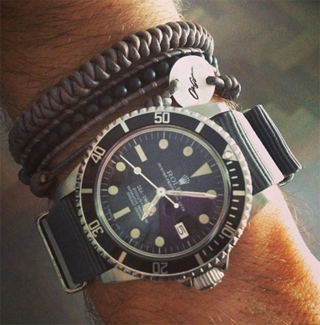 I like this combination of wrist bangles and watch. Cool combination.