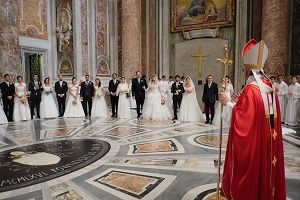 The Marriage Meme of Francis: What Did the Pope Just Say about Marriage and Family? - U.s. - News - Catholic Online