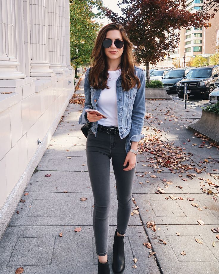 Black jeans, heeled Chelsea boots, white tshirt and denim jacket