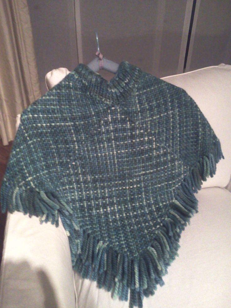 Poncho en telar con lana de Manos del Uruguay