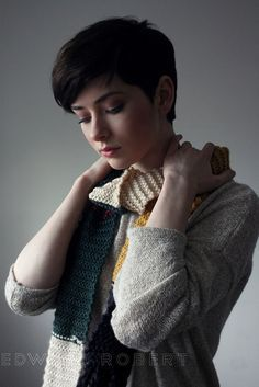 Pixie perfection - Short sides  back, long on top with bangs. Love it! Sinead | Flickr / long bangs / brunette