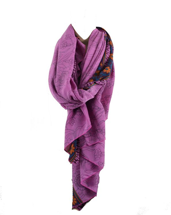 Nye oversize tørklæder på lager. Flere flotte farver bl.a. denne Warm Purple.