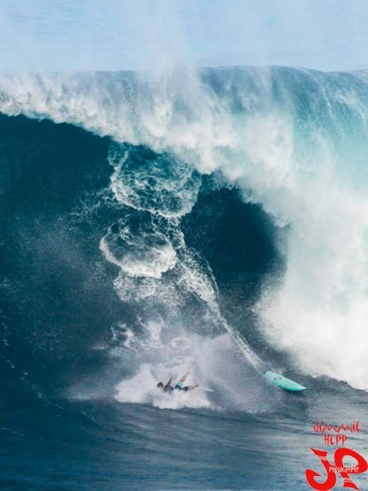 Best Atypical Surfing Shots Images On Pinterest Snowboards - Surfing inside 27 second long barrel wave