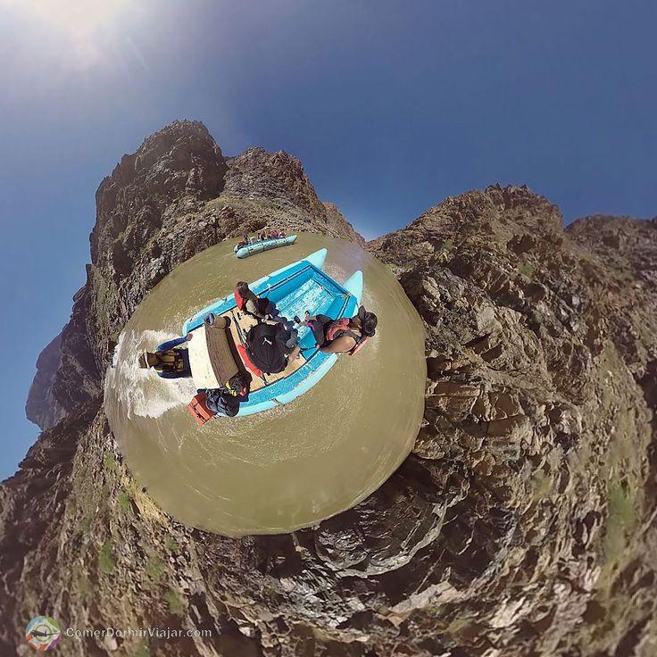 #LittlePlanet #360vr / Geralmente quem busca um #GrandCanyonRafting no #ColoradoRiver interior do @GrandCanyonWest deve reservar entre 3 e 21 dias da agenda para o tour completo de 279 milhas no Rio Colorado porém para os aventureiros que desejam ter esta experiência e não tem tanto tempo assim a Hualapai River Runners proporciona uma pequena viagem de um dia em algumas das águas mais famosas do mundo.  A Hualapai River Runners é a única empresa autorizada a fazer o rafting de apenas um dia…