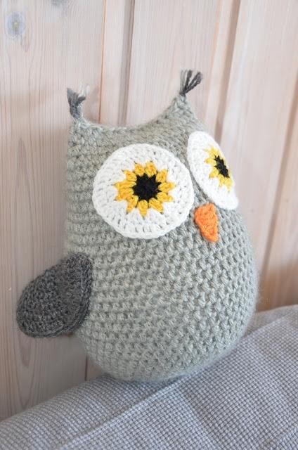 crocheted amigurumi owl