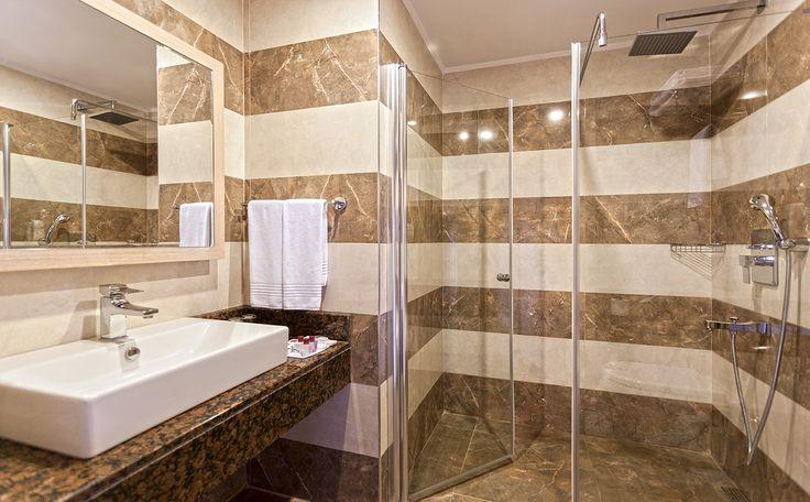 Complete Renovation 2013 / enjoy the rain shower bath..