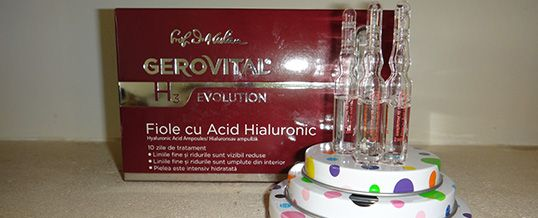 Lunea cu Farmec: review la Fiolele cu Acid Hialuronic din gama Gerovital H3 Evolution