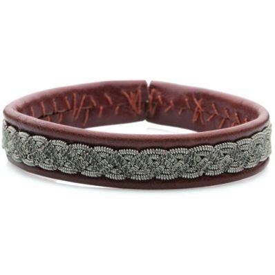 Bracelet Dust avec du cuir de renne de la collection vintage. Le prix est de 160 euros.