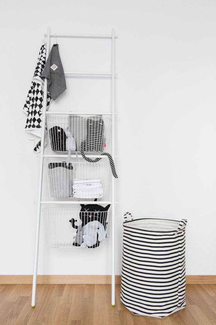 ikea sprutt collection // black and white gender neutral nursery // via 70percentpure.be
