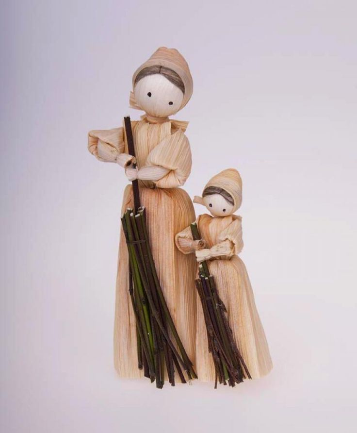 Šúpolienky (or also šúpolky or šúpolové bábiky) are traditional dolls made of dry corn husks (in Slovak šúpolie). They come from around 50s ...