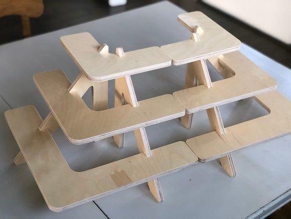 Holzerner Eckregalstandplatz Fur Tabellenanzeige Handarbeit Stand Ausstellung Eckregal Holz Regal