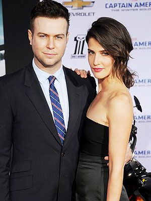 Cobie Smulders Pregnant Taran Killam Expecting Second Child  http://celebritybabies.people.com/2014/10/21/cobie-smulders-pregnant-taran-killam-second-child/