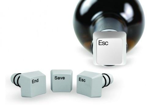 Korki informatyka / Caps Lock Keyboard Key Shaped Bottle Stops