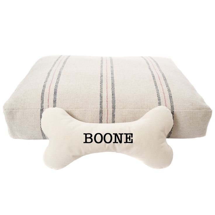 Gift Guide- Give your furry friend a soft bed AND pillow to rest on with our farmhouse style grain sack DOG bed and DOG BONE pillow customized with your pups name. Holiday pricing @asouthernbucket