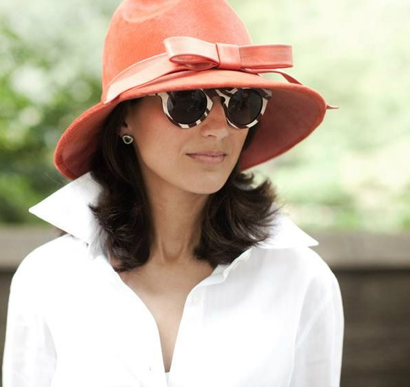 collar + sunnies + chapeau