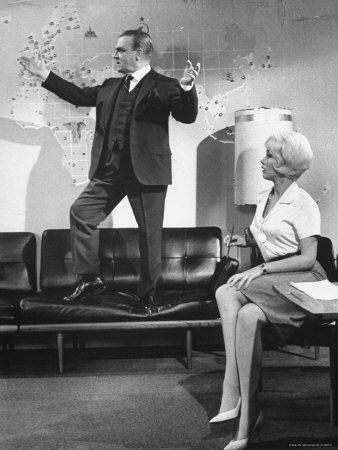 """James Cagney, Liselotte Pulver in """"One, Two, Three"""" (1961). DIRECTOR: Billy Wilder."""
