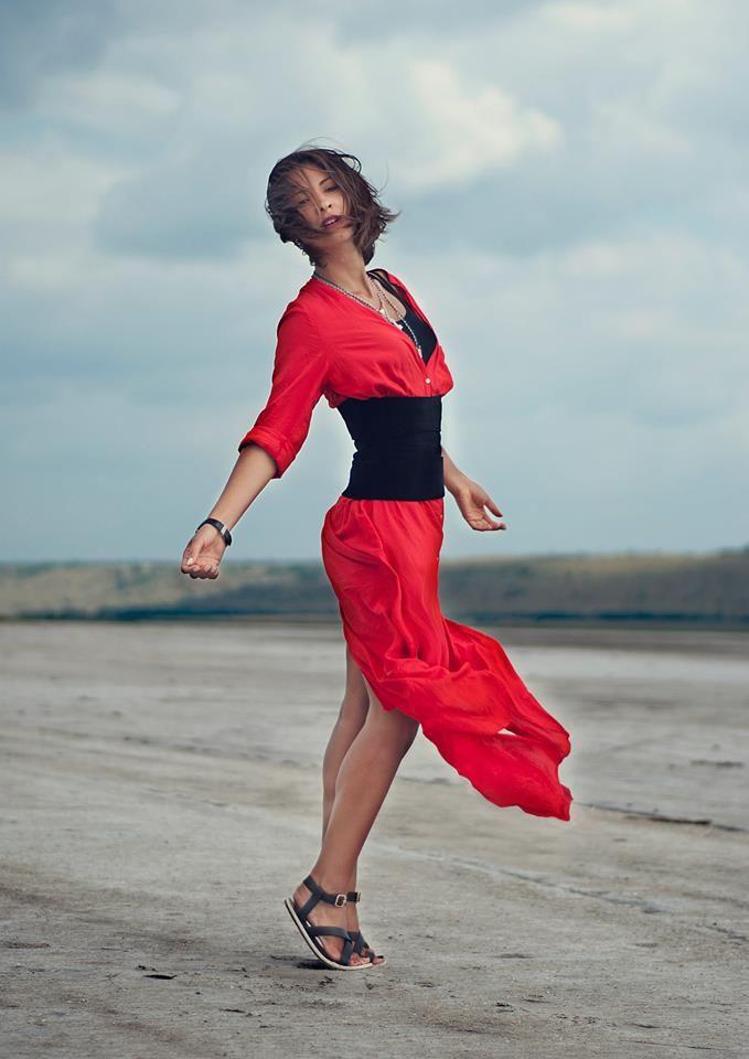 Платье (dress) - Zara (old collection) корсет из бархата - шит по моему заказу цепочки - изделия моей подруги ювелира сандали - Carlo Pazolini