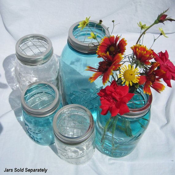 I use mason jars all the time as flower vases. This is a great idea I will have to try!