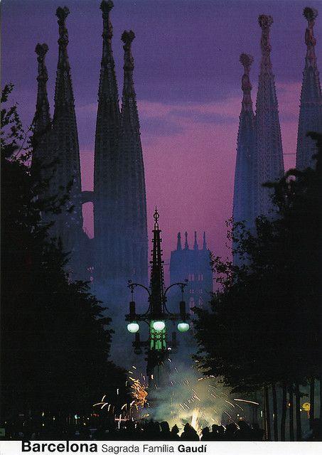 Correfoc a la Sagrada Familia, Barcelona | Catalonia