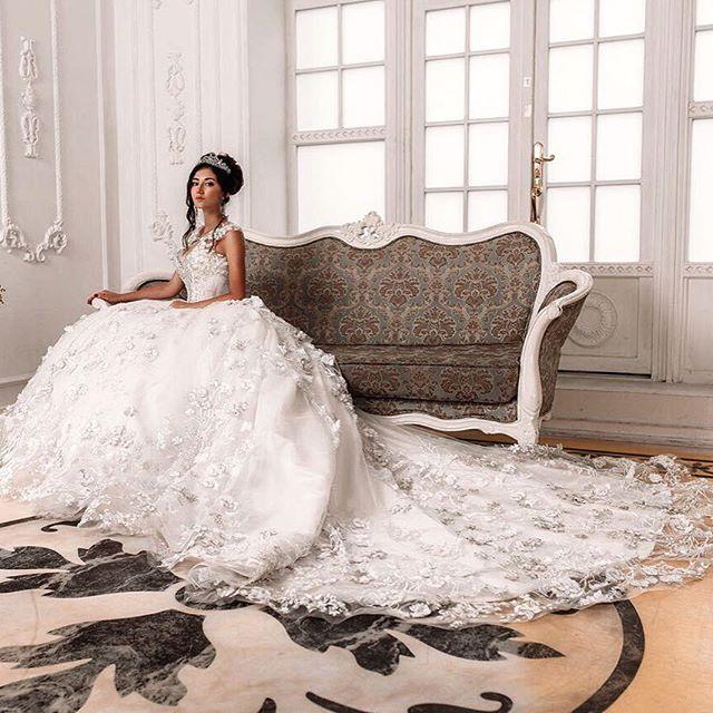 Фото @m.korotkov платье @malyarovaolga #dress #спб #дизайнер #красивоеплатье #платья #wedding #weddingdress #weddingday #inspiration #fashion #art #style #красивая #свадьба #свадебноеплатье #шик #шикарноеплатье #белоеплатье #невеста #заказ #пошив #принцесса #королева