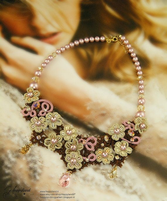 Etsy の Hydrangea tatted necklace pattern by Happyland87
