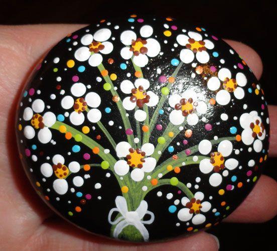 Flores en piedras