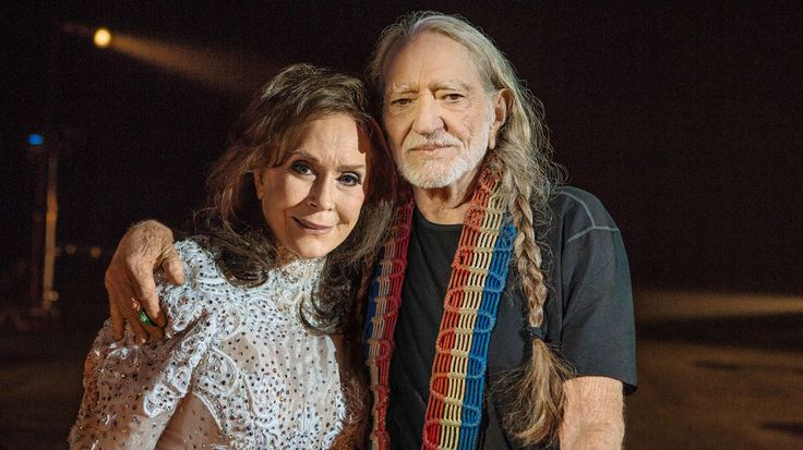 """See Loretta Lynn, Willie Nelson's Somber 'Lay Me Down' Video 