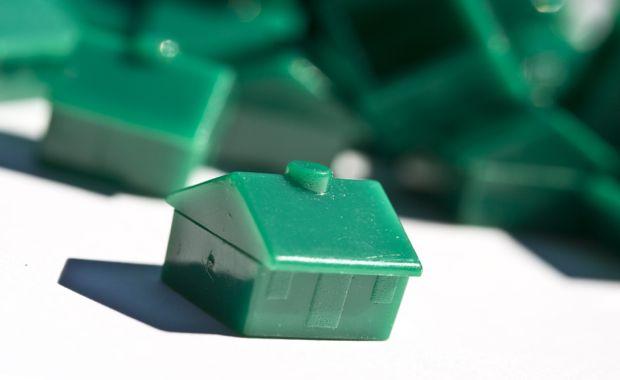 monopoly_green_house_620x380