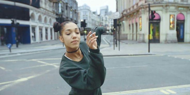 End of Noise. Bose Werbespot spielt in leeren Strassen Londons. #advertising #music
