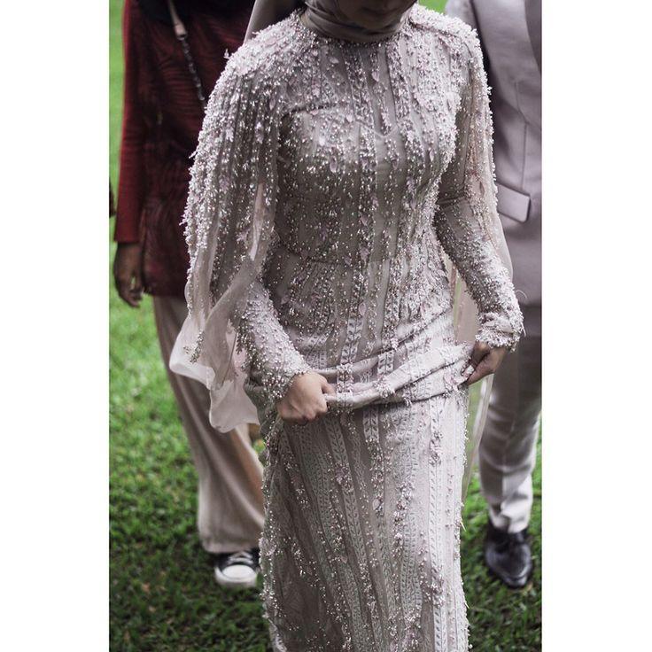 Here comes the bride 🕊 . . . . . . . #dewanggadress #dewanggaattire #details #weddingdressdetails #dewanggagown #wedding #weddingideas #weddinginspiration #bride #bridestory #thebridedept #dewangga #weddinggown #customdress #customweddingdress #gown #resepsi #bridestory #weddingku #bridedept #brideindo #thebridedept #dresses #bridedress