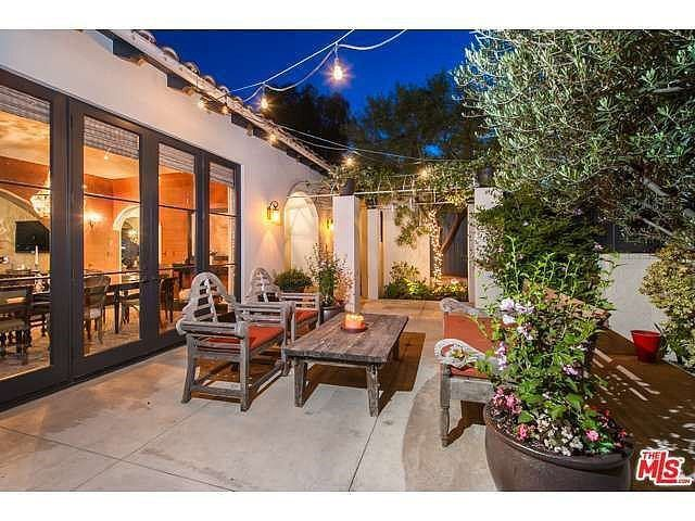 Peek Inside Megan Fox and Brian Austin Green's Love Lair: With over 5,300 square feet of beautifully decorated living space complete with a fantasy outdoor layout, it's hard to believe that Megan Fox and Brian Austin Green are willing to part with their Los Feliz home in Los Angeles.