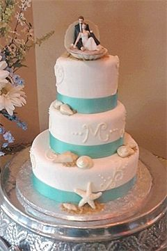 Summer Seashell Wedding Cake this one is so pretty