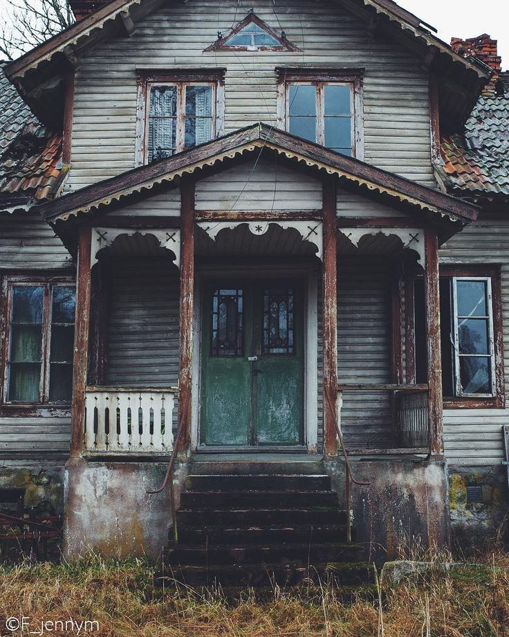 """(@f_jennym) on Instagram: """"A beautiful abandoned house. ______________________________ #nature_sultans #nature_perfection…"""""""