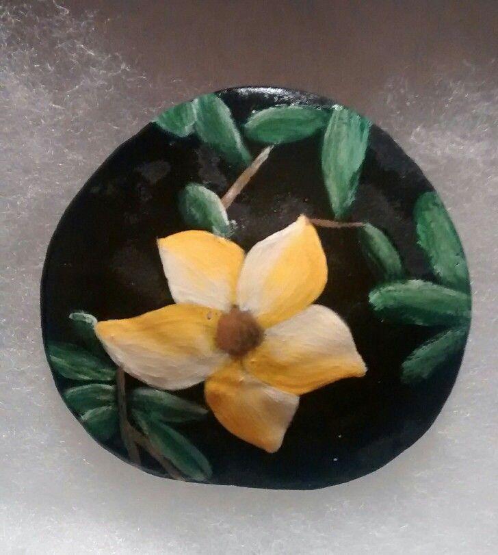 Yellow and white flower. (Handpainted by Brenda Preston)