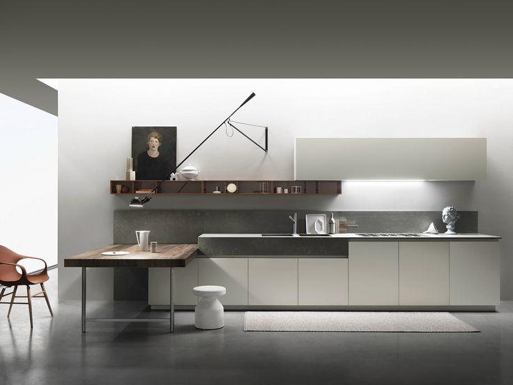16/07/2014 -Ernestomeda, azienda leader nella fascia alta del mercato delle cucine di design, presenta la nuova ONE.  ONE reinterpreta i