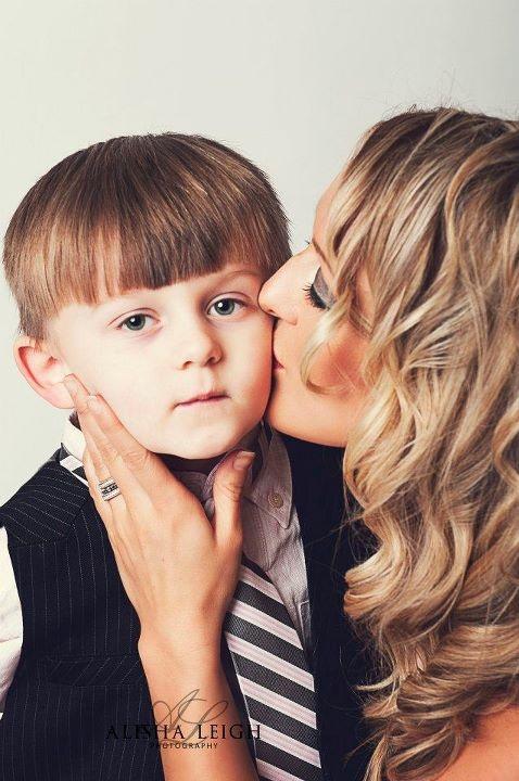 Mommy kisses~