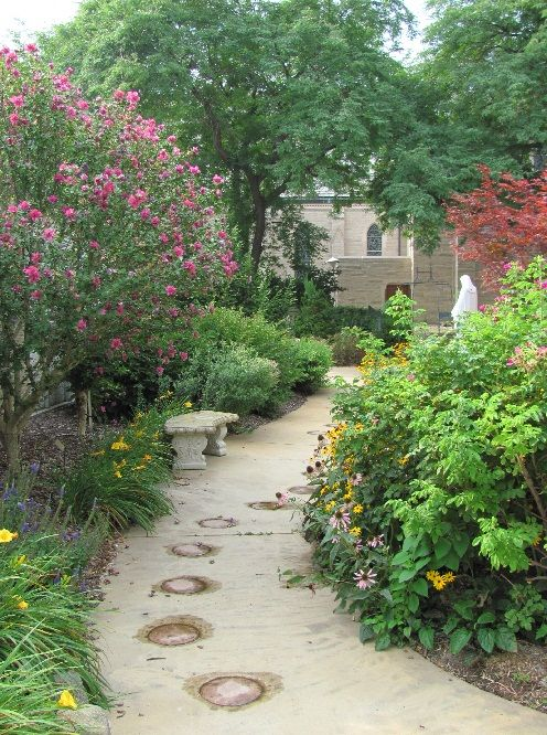 16 best images about rosary gardens on pinterest statue for Prayer garden designs