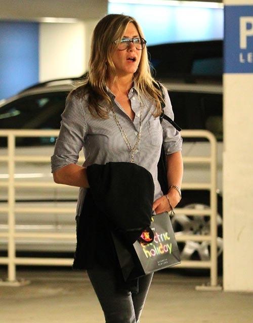 Jennifer Aniston desmiente los rumores de embarazo: 'Son estupideces' #actrices #actress #people #celebrities #famosas