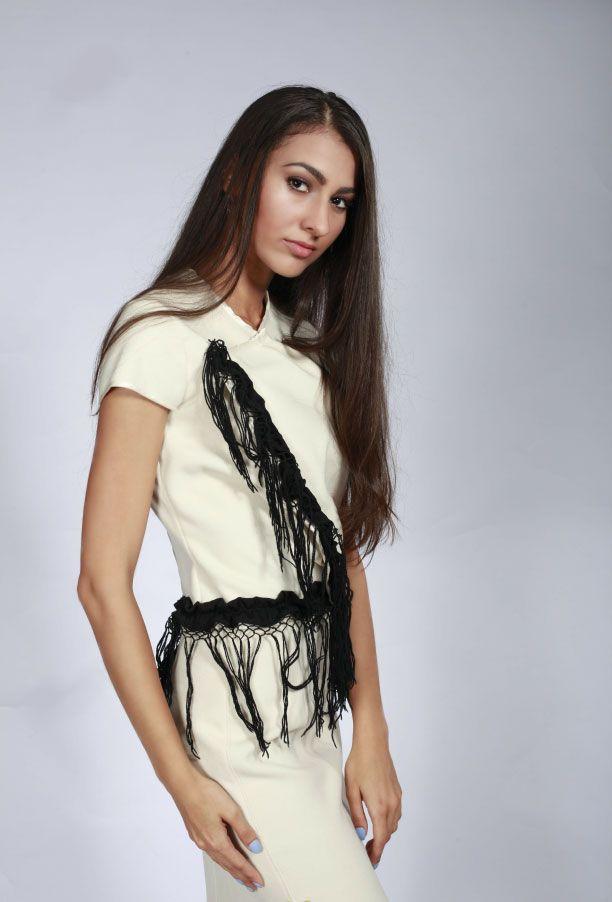 Платья : Костюм с черной бахромой