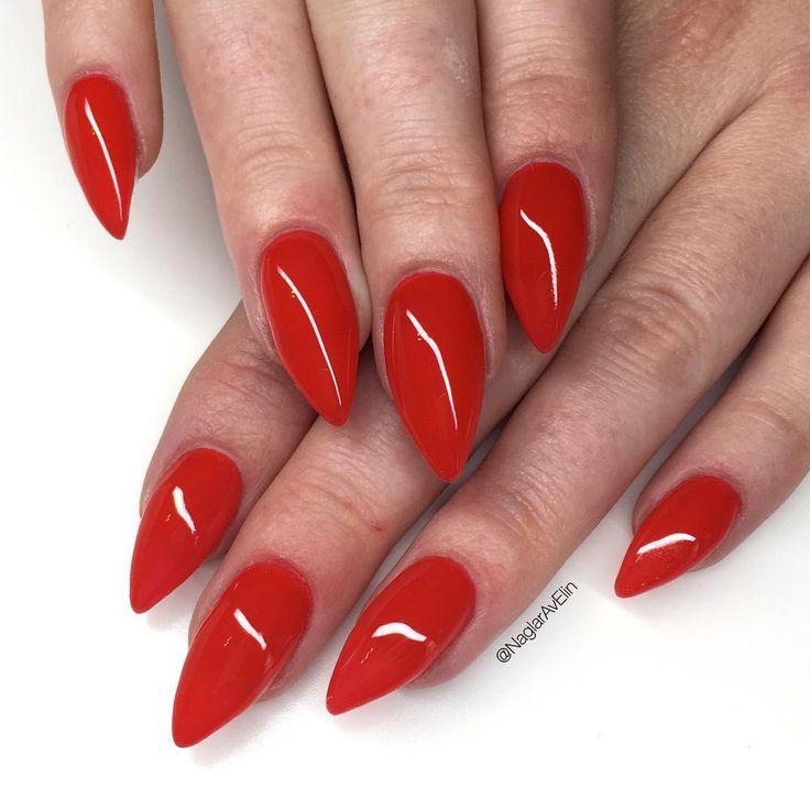Stiletto Nail Art Fall Theme: Ongles Stiletto Rouge